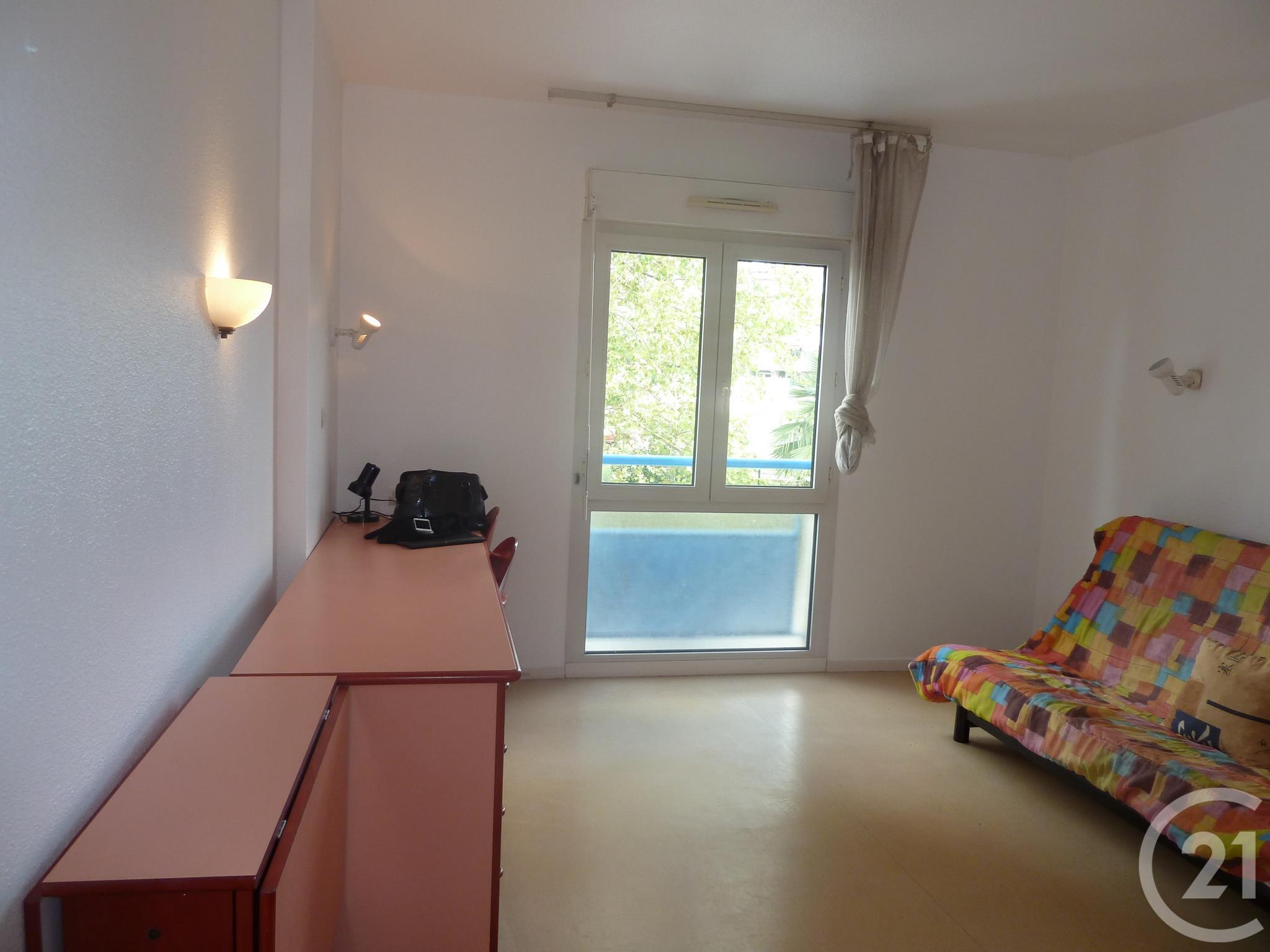 appartement f1 louer 1 pi ce 23 m2 montpellier 34 languedoc roussillon. Black Bedroom Furniture Sets. Home Design Ideas